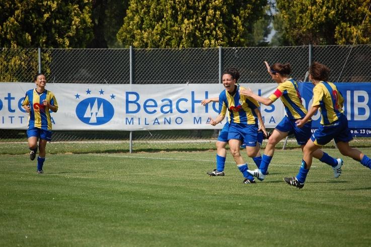 Fulvia Dulbecco esulta dopo il 1° gol
