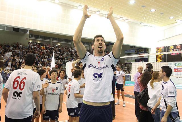 Luca Sirri festeggia la promozione della Robur