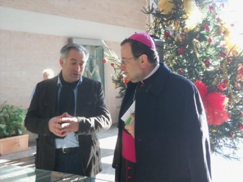 Mons. Lorenzo Ghizzoni con il consigliere Valerio Giuliani.
