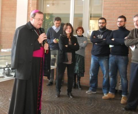 Mons. Lorenzo Ghizzoni durante il saluto e gli auguri di Natale ai dipendenti di Cmc di Ravenna