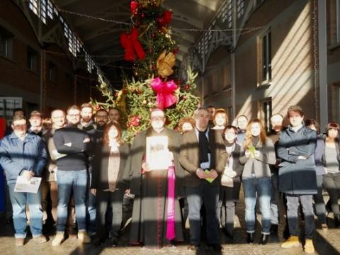 Foto di gruppo al termine dell'incontro con Mons. Ghizzoni.